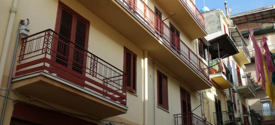 Rif 298 ( Appartamenti in Via G. Battista Pizzurro)
