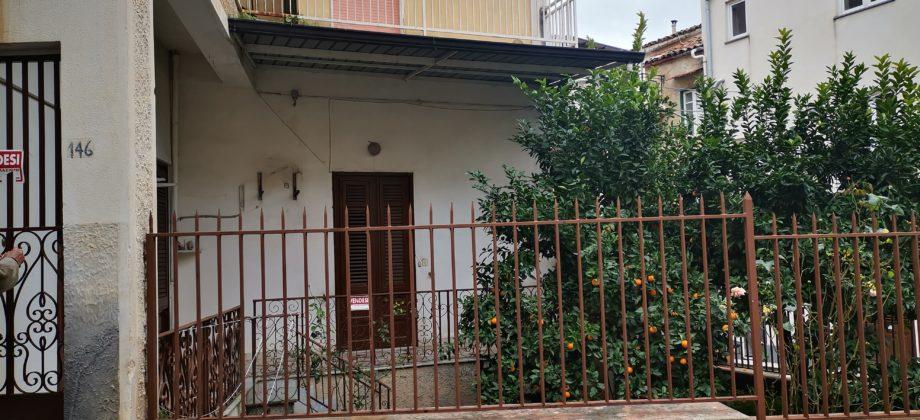 Rif 032 ( Appartamento in Via Castrenze di Bella )