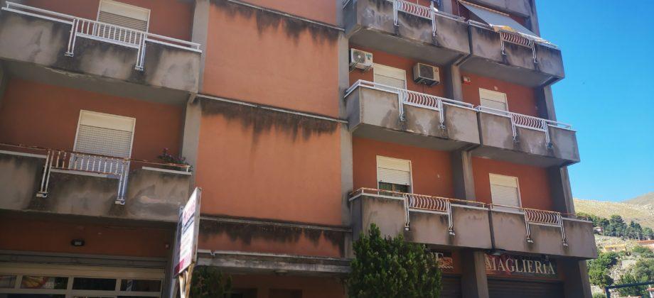 Rif 052  ( Appartamento in Via Pietro Merra )