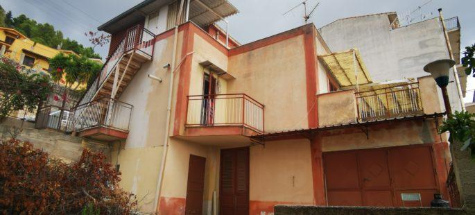 Rif 064 ( Villino in Via Circonvallazione )