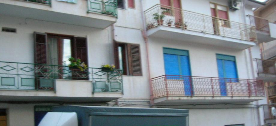 Rif 084 ( Appartamento in Via Vittorio Emanuele )